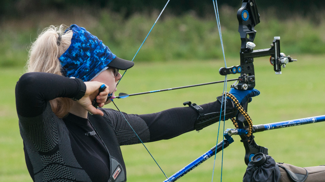 How to Adjust the Draw Length on a Bear Compound Bow
