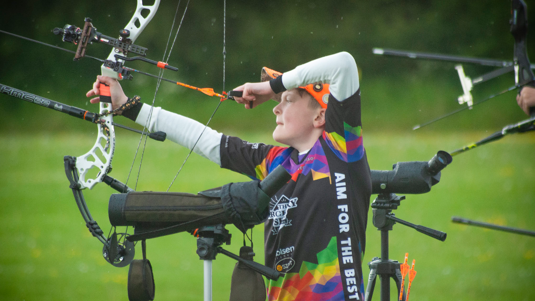 How to Sight on a Compound Bow with 3 Pin Sights